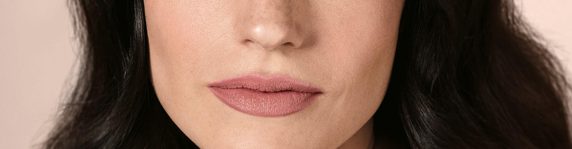 55ed9eb67 Boca pequena  truques para aumentar os lábios com batom